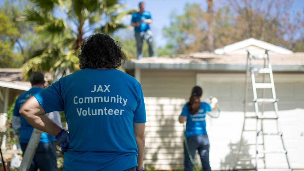 JAX hosts volunteer service days to help families impacted by Alzheimer's disease
